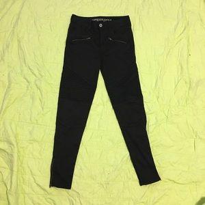 Black High Rise American Eagle Skinny Jeans